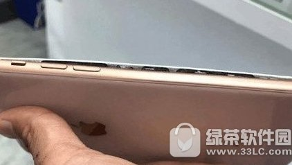 iPhone8十连裂怎么回事 苹果iPhone8十连裂是什么原因2