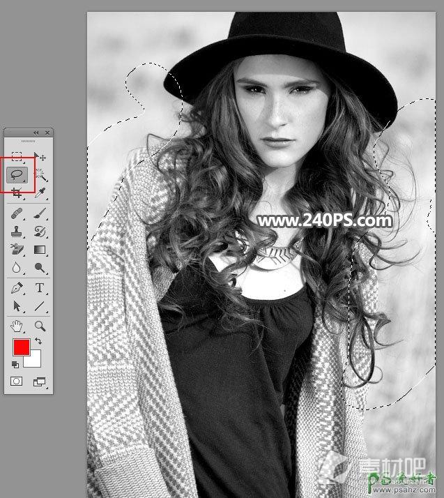 PS新手抠图教程:学习用通道工具抠出秋季外景拍摄的欧美长发美女