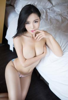 性感MMAshely丽丽穿着大胆上演巨乳诱惑